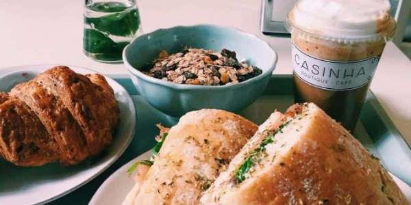 breakfast & brunch in porto casinha boutique cafe
