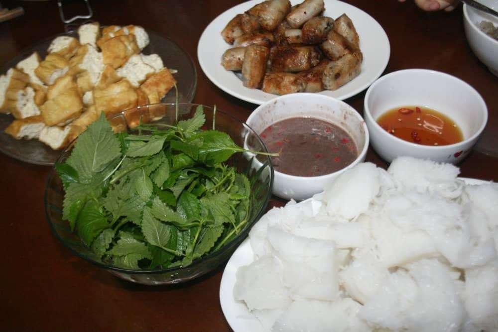 Best Dishes to Eat in Vientame bun dau mam tom