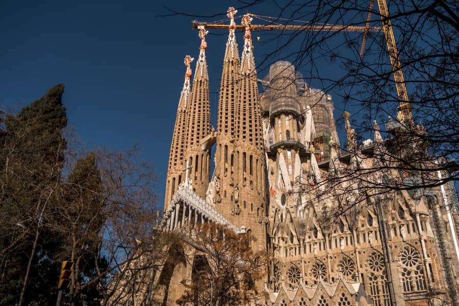 Gaudí-buildings-barcelona-sagrada-familia
