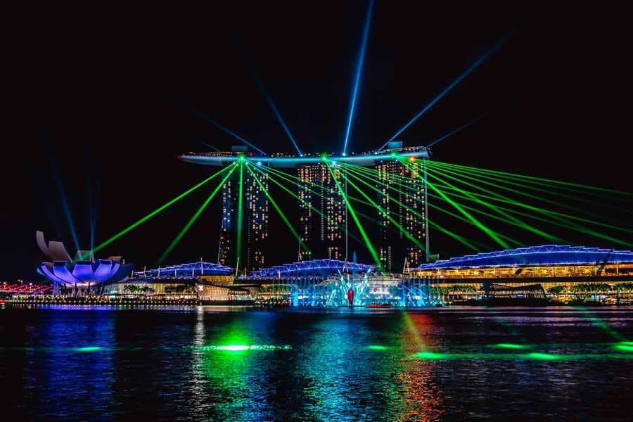 singapore-travel-itinerary marina bay light show