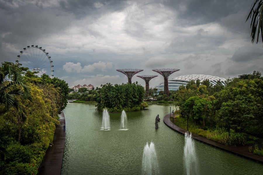 singapore-travel-itinerary gardens by the bay