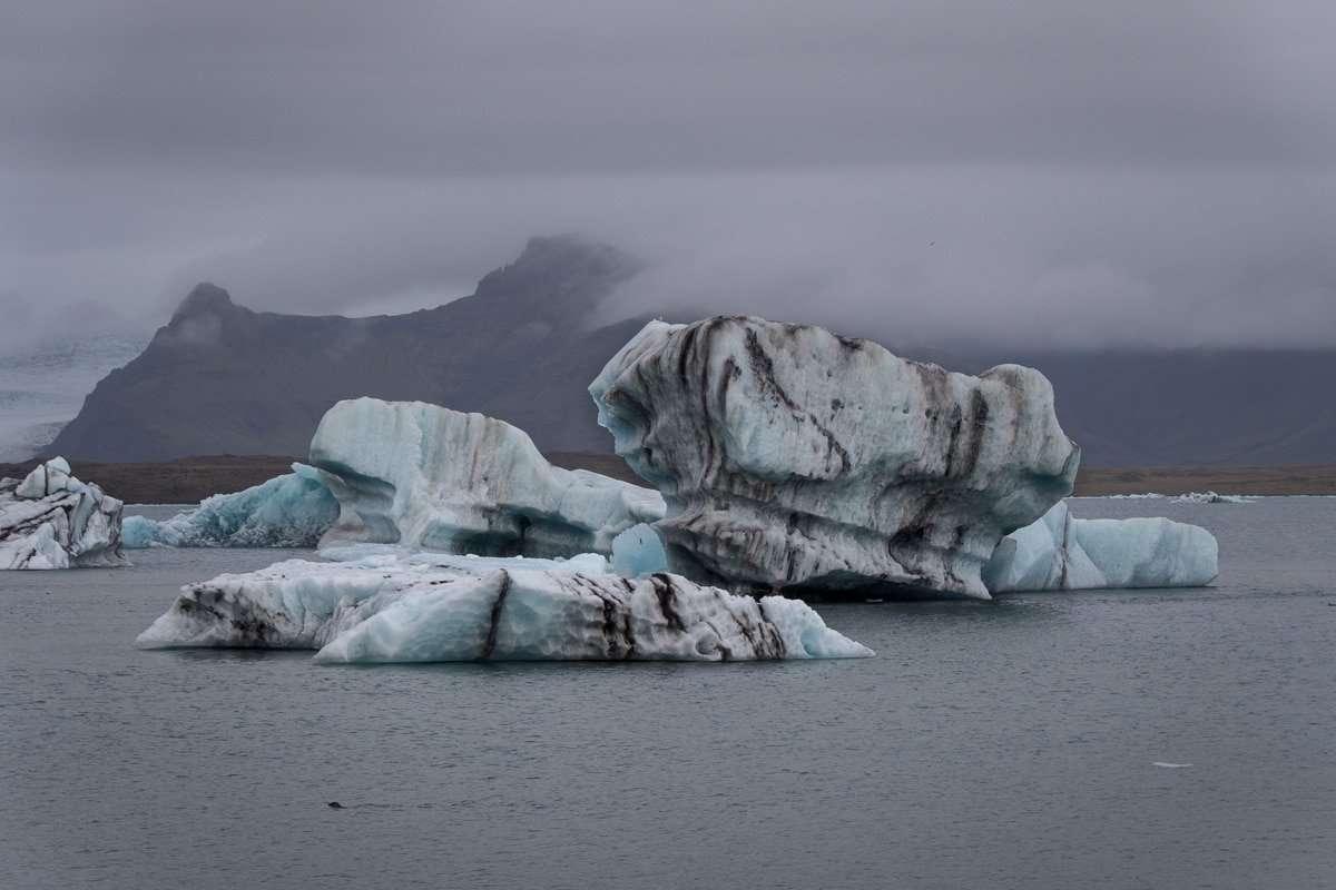 The breathtaking Jokulsárlón Glacier Lagoon.