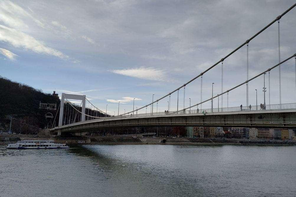O-que-visitar-em-Budapeste-Elizabeth-bridge
