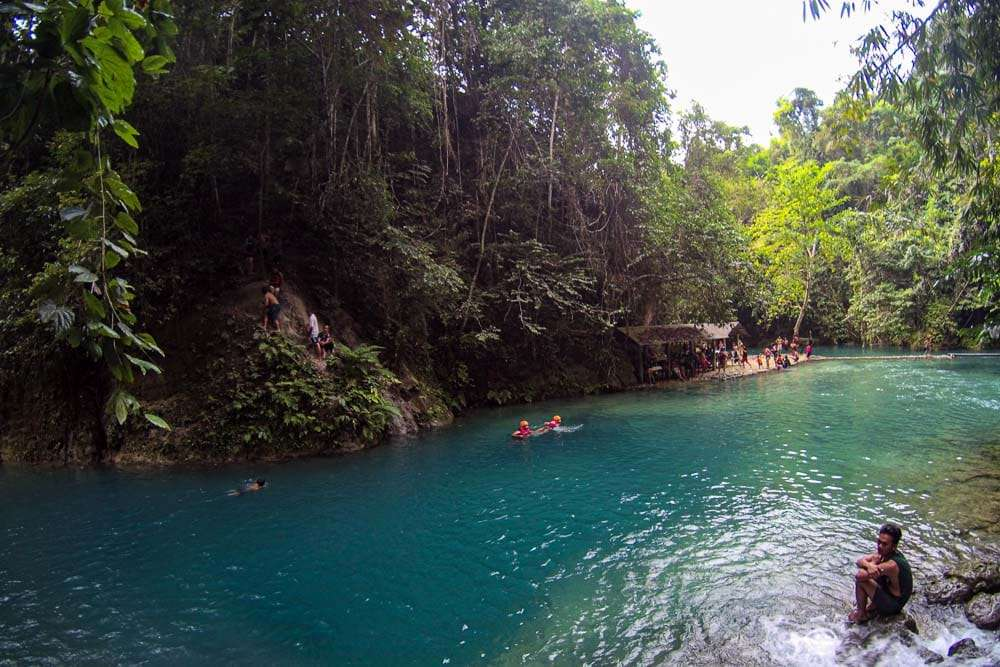 philippines-travel-itinerary-kawasan-falls