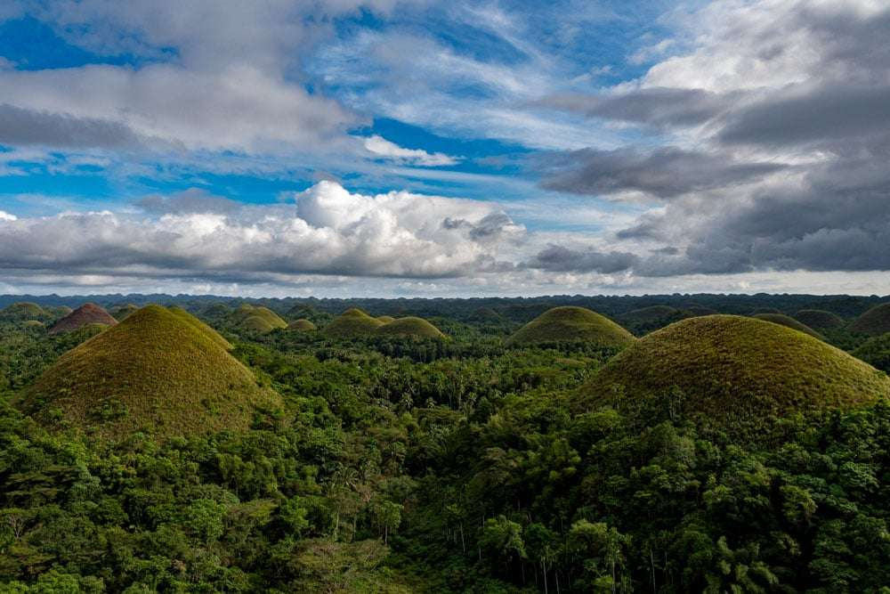 philippines-travel-itinerary-chocolate-hills